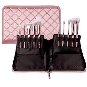 wet n wild Makeup - Wet N Wild brush set with case